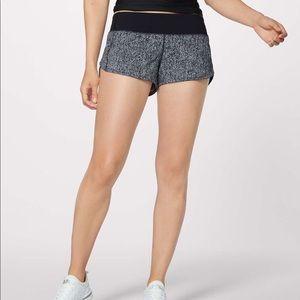 Lululemon Shorts Speed Up in Gray